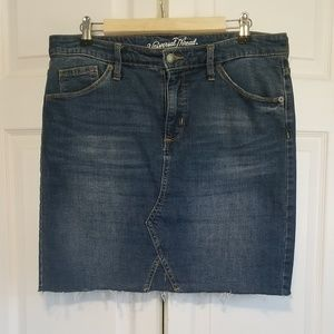 Universal Threads Distressed Jean Skirt